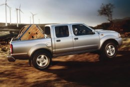 NISSAN NP300 Cabina Doble