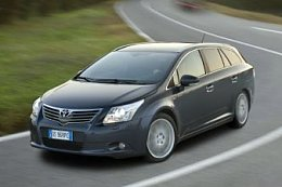 TOYOTA Avensis Cross Sport 1.8 Valvematic 140 Advance
